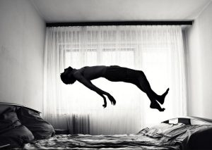 trusty levitando